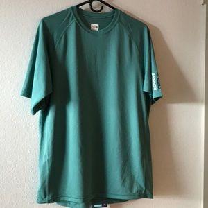 NWOT North Face Men's SS Dry Fit Shirt Sz M